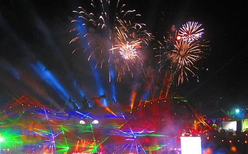 Mainstage tomorrowland vuurwerk laser